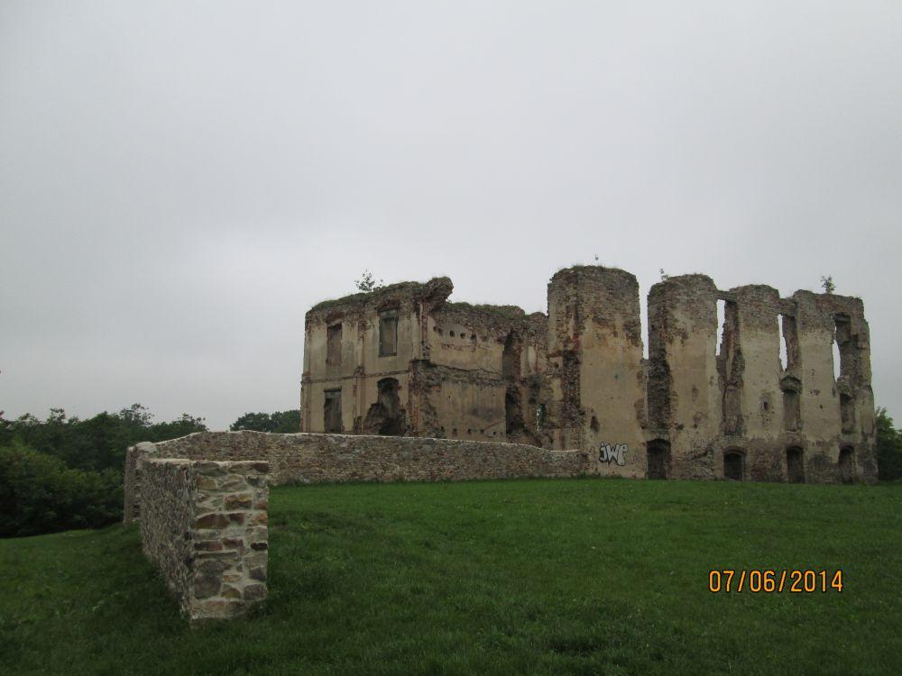 bodzentyn-zamek2