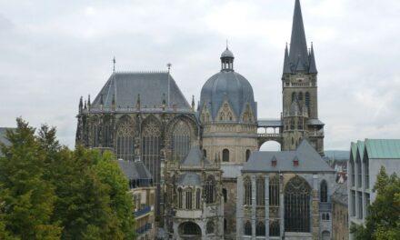 Katedra w Akwizgranie ciekawostki